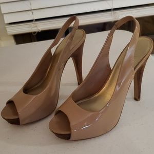 Jessica Simpson nude patent leather pumps
